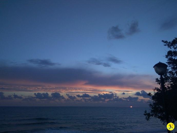 Закат над морем в сентябре
