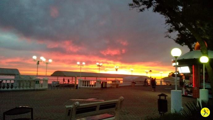Закат над набережной