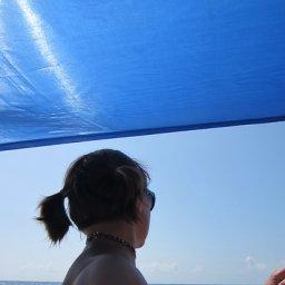 У моря)